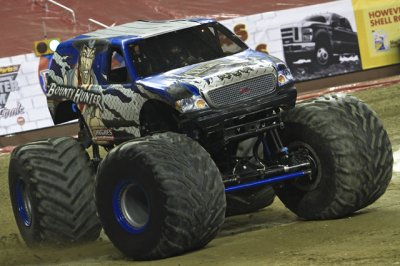 bounty hunter monster truck