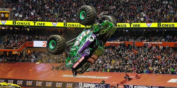 Grave Digger - Syracuse 2013 Monster Jam