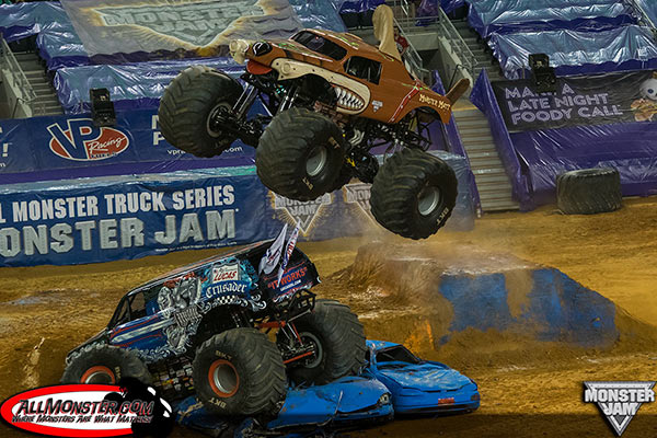 Dustin Brown - Monster Mutt- Arlington Monster Jam 2015