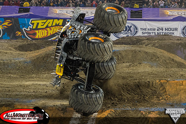 Max-D Freestyle - Anaheim Monster Jam 2015